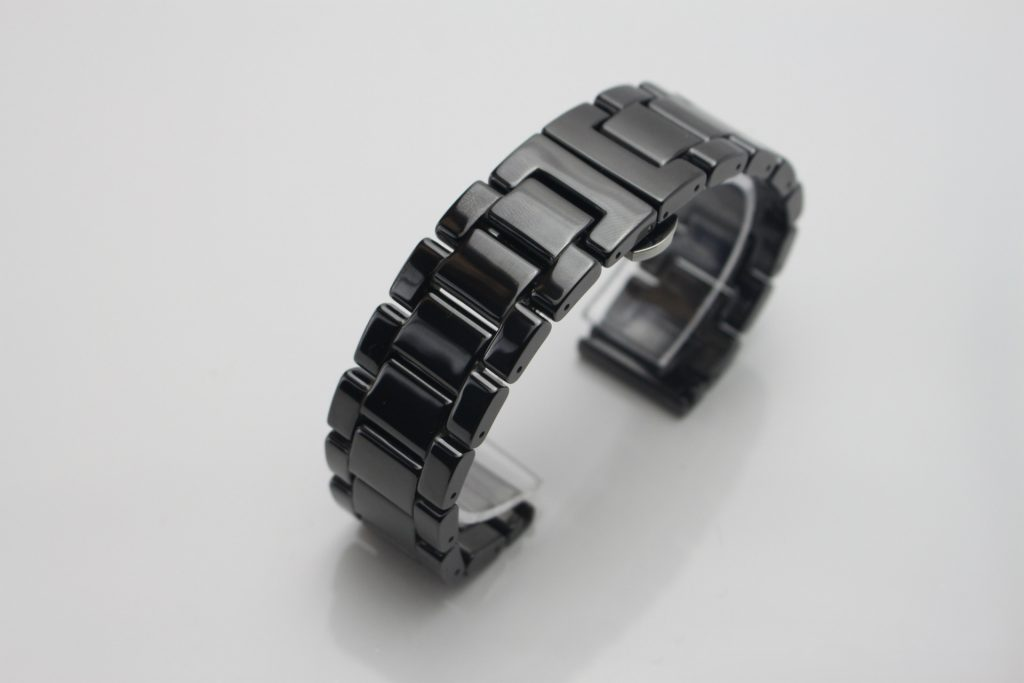 Thay dây đồng hồ Ceramic