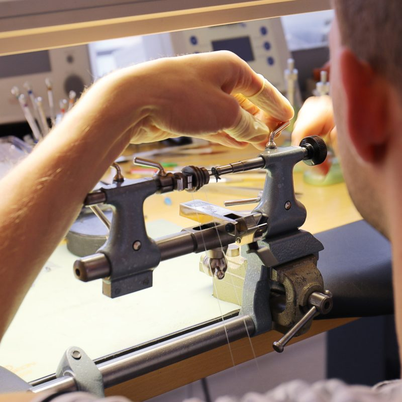 Trung tâm sửa chữa đồng hồ 100 Thái Hà