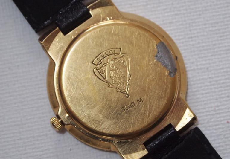 đồng hồ mạ vàng bị xỉn